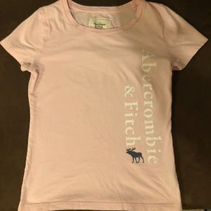 Abercrombie & Fitch Women's graphic tee